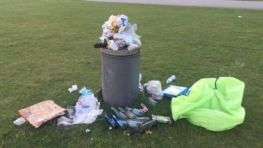 Zuviel Müll im Riemer Park